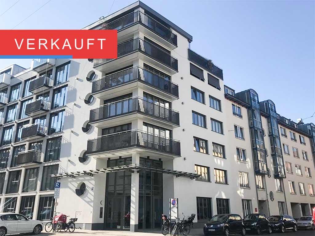 Zimmer Wohnung + Süd-west-Balkon zum Innenhof